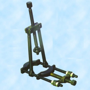 Артикул И801.37.000 - Съемник подшипников углового редуктора рулевого механизма, кулачкового вала ТНВД, вала привода коробки отбора мощности